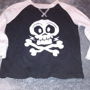 L/S thermal skull and crossbones 2t